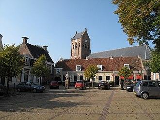 Ferwerderadiel - Image: Ferwerd, Vrijthof en kerk 2009 09 19 15.41