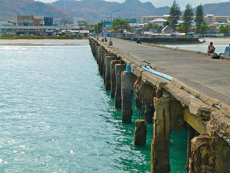 File:Fish-Harbour Hua Hin - panoramio (2).jpg