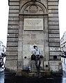 Fontaine Boucherat, & Levalet street art (27199457445).jpg