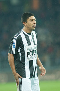 Football against poverty 2014 - Giovane Élber.jpg