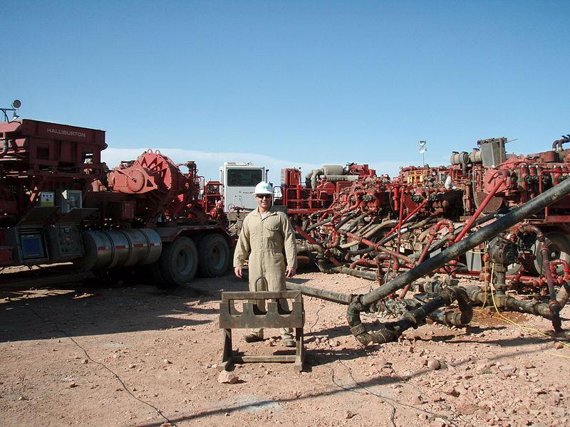 File:Fracking the Bakken keeping American energy independent.JPG