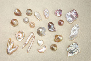 Keshi pearls small non-nucleated pearls typically formed as by-products of pearl cultivation
