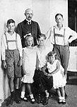 Friedrich Franz IV, Grand Duke of Mecklenburg-Schwerin with his family.jpg