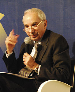 Giuliano Amato 2009.jpg