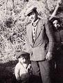 Giuseppe Novello con il figlio Filippo.jpg