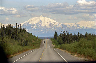 Glenn Highway - Image: Glenn Highway and Mount Drum