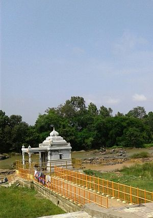 Hemavati River - Image: Gorur Narasimha temple 2 1