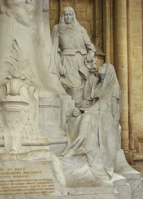 Grand monument de Bossuet Meaux 40808 09.jpg