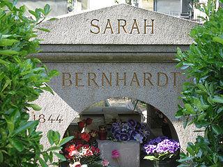 Père Lachaise Cemetery3