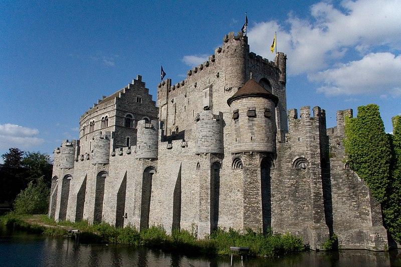 Image du château 800px-Gravensteen_%28Gent%29_MM