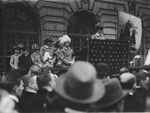 Sweden during World War I - King Gustaf V giving the Courtyard Speech