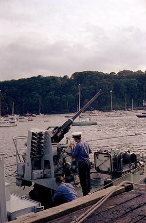 Ley-class minehunter - Image: HMS Isis Bofors gun, Tobermory, 1978