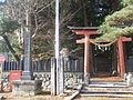 Hata suwa-shrine entrance.JPG