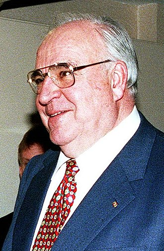 1998 German federal election - Image: Helmut Kohl und William S. Cohen (headshot)