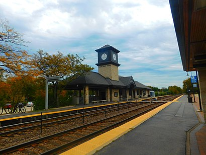 How to get to Highland Park Metra Station with public transit - About the place