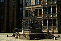 Holzmarktbrunnen Oskar-Winter-Brunnen Hannover Kpl.-Ansicht vor Leibnizhaus o. Menschen.jpg