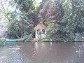Houten theekoepel aan het water gelegen 2012-09-12 14-31-04.jpg