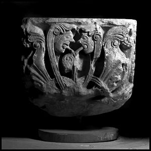 Ernulf de Hesdin - Carved Romanesque capital from Hyde Abbey, which preserved information about Ernulf after his death, although it pursued property disputes against him in life.