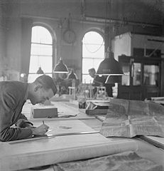 In a British Shipyard- Everyday Life in the Shipbuilding Industry, UK, 1943 DB21.jpg