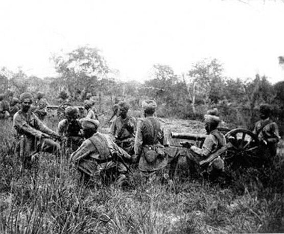 Indian soldiers fighting in 1947 war.jpg