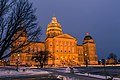 Iowa State Capitol Building at Night - Des Moines (33413897514).jpg