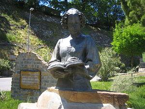 Isabella di Morra - Statue of Isabella di Morra in Valsinni