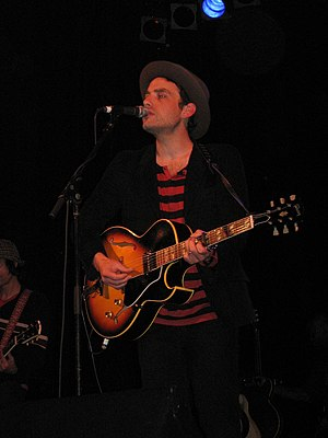 Jakob Dylan - Jakob Dylan performing in 2007