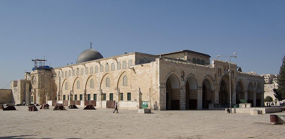 Jerusalem Al-Aqsa Mosque BW 2010-09-21 06-38-12