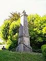 Jouy-le-Moutier (95), monument aux morts, près de l'église.jpg