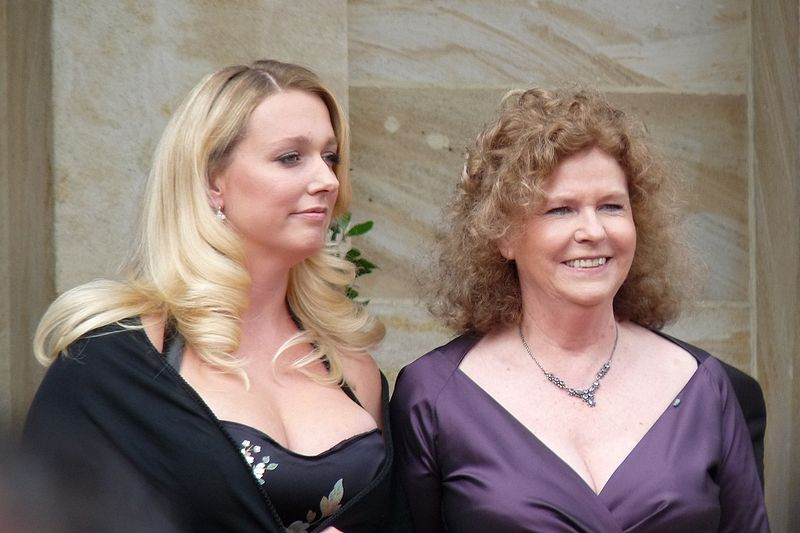File:Katharina und Eva Wagner.jpg
