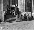 Kenraalikuvernööri Seyn rautatieasemalla saapuessaan Pietarista Helsinkiin - N2116 (hkm.HKMS000005-000001ia).jpg