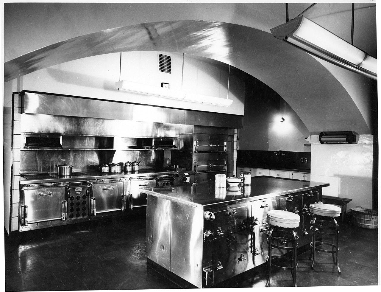 Established Kitchen Design Company In The Old Lyme