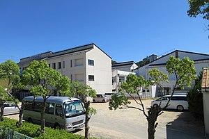 Kobe City Ohara junior high school.jpg