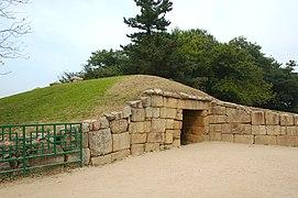 Korea-Gyeongju Seokbinggo-Entrance-01.jpg