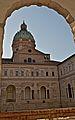 La cupola e i chiostri di San Pietro.jpg
