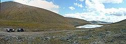 Lake 2900m on Teplyi Kliych pass - panoramio.jpg