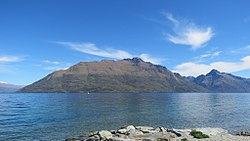 Lake Esplanade, Queenstown - panoramio (10).jpg