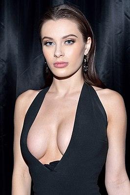 Порно актриса роки роадс