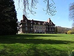 Le Breuil-en-Auge, Logis du château.jpg