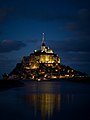 Le Mont St. Michel general view by night.jpg
