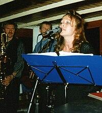 """Lena Andersson med """"Slims Bluesgäng"""" på S/S Blidösund den 11 juni 1987."""