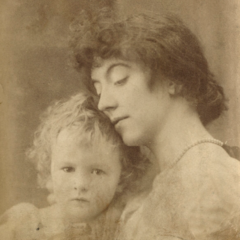Leopold Hamilton Myers; Eveleen Myers (née Tennant) by Mendelsohn.png