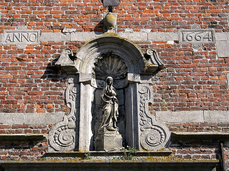 Lessines  (Belgium), Virgin of the Hospital Our Lady With the Rose porch.