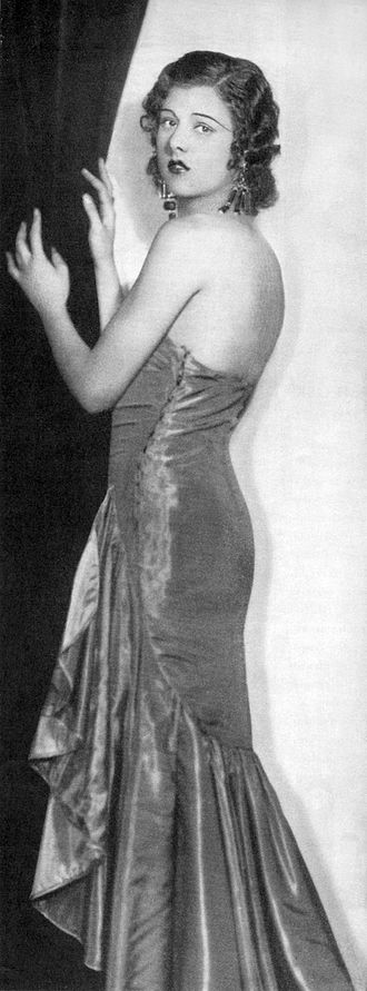 Strapless dress - Actress Libby Holman in an early strapless dress (1930)
