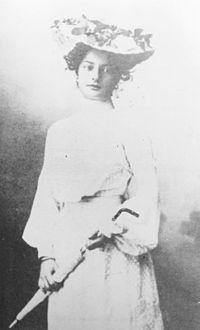 Lili Novy (2).jpg