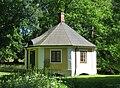Litet hus vid Christinehofs slott.jpg