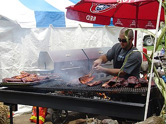 Ribs (food) - Image: London Ontario Rib Fest 2006