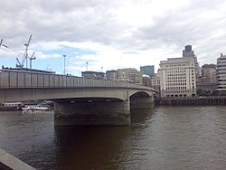 London Bridge 07 2008.jpg