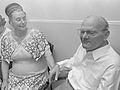 Lou en Mientje Voorthuijzen (1967).jpg