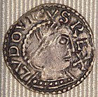 Louis IV denier Chinon 936 954.jpg
